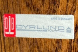 Dyrlund mark logo lable